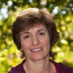 Joyce Tavon headshot